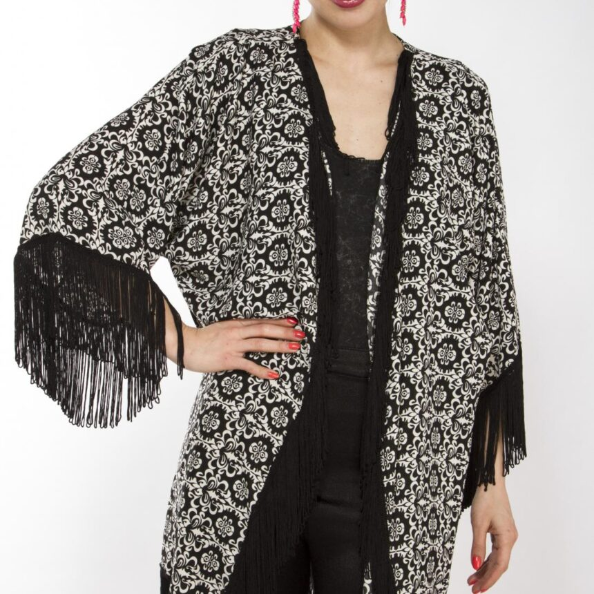 Liquorish Black And White Baroque Print Kimono